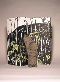 Squirrel w/ gift box