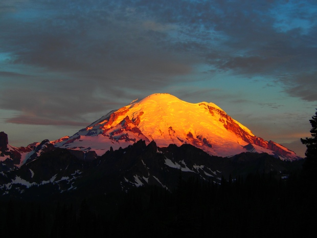 Sunrise at Mount Rainier.  Technicolor brought to you by fires in Eastern Washington.